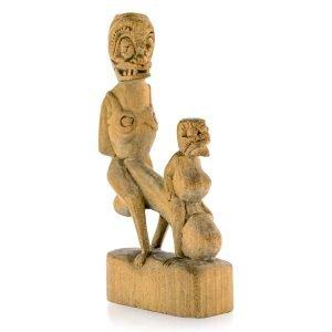 Statuette érotique bois