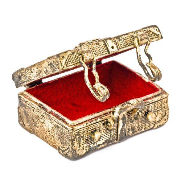 Petite coffre-valise en argent