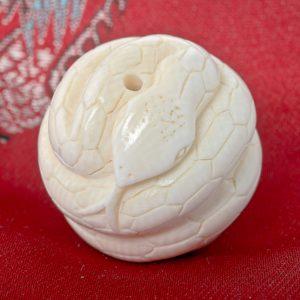 Boule de collier Serpent en ivoire
