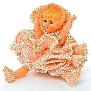 Poupée habit rose